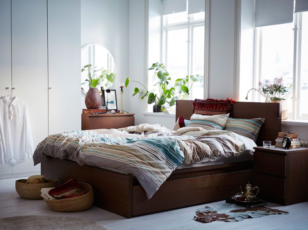Queen size beds that fit perfectly in your master bedroom - IKEA Qatar